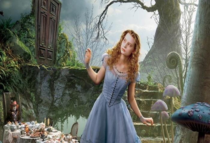 hatter filmschoolrejects com aliceinwonderland-poster2-header