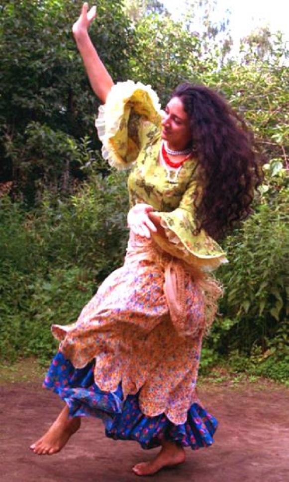 compose kismetgirls com Gypsy_Dancing_Lyalya_Moldavskaya_floral_dress