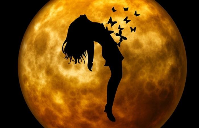 moon pixabay com 2