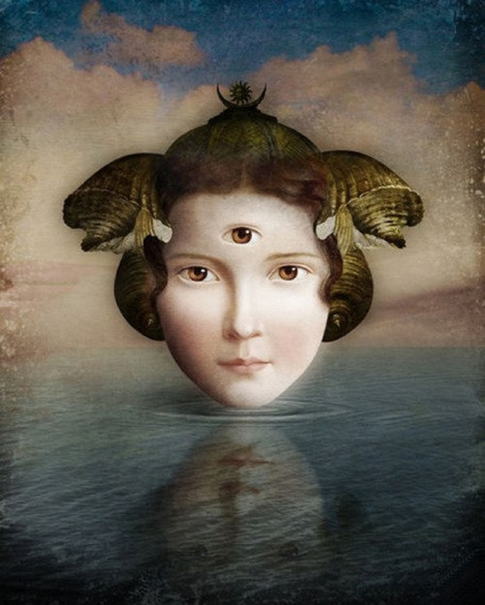 christian-schloe-mirror