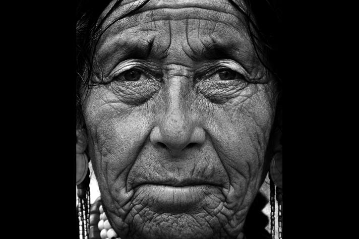 old woman leh-ladakh-india-portrait-old-woman-nikon-d7000-nikkor-18-105mm-deb-lahiri